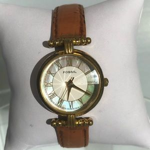 Vintage Fossil pearl face watch diamond cut glass